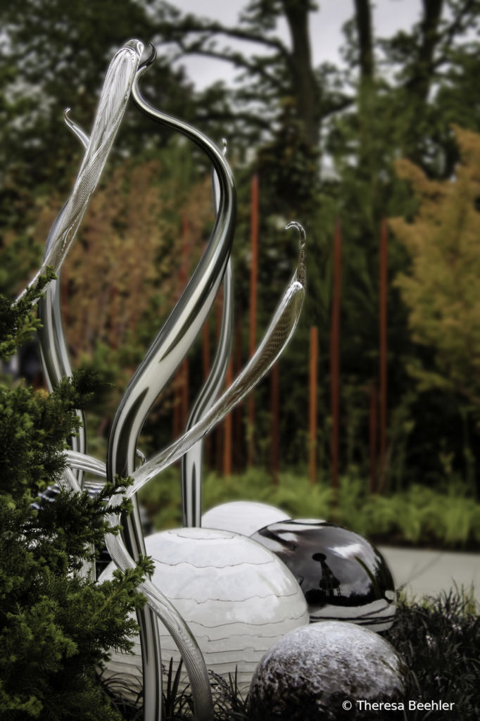 Abstract and Architecture - Chihuly outside