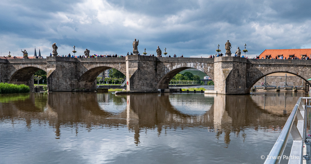 The medieval statue-lined Main Bridge