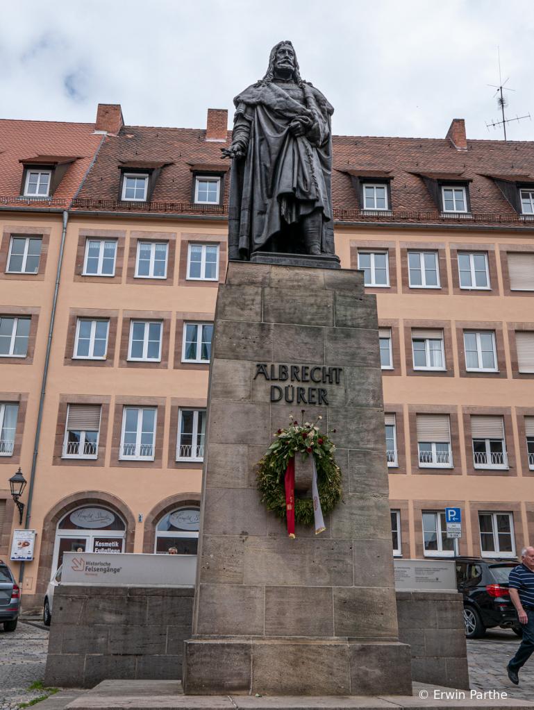 Statue of Durer