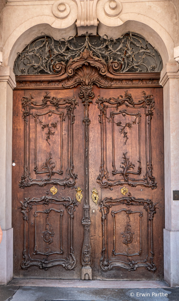 love those old doors.