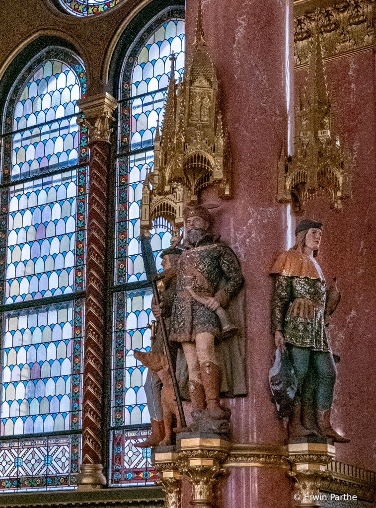 Statues representing varios trades.