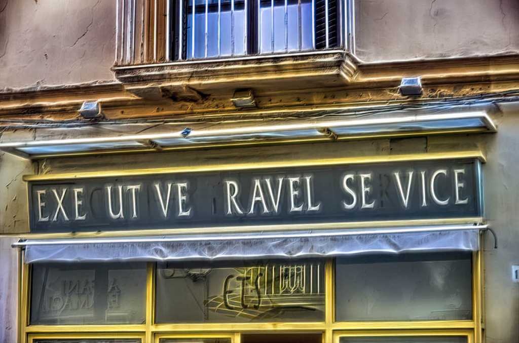 EXE UT VE  RAVEL  SE VICE