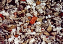 pebbles in the see (crystal water effect)