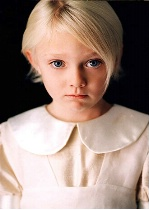 Child Actor:  Dakota Fanning