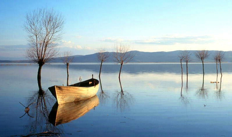 lonely boat on the lake