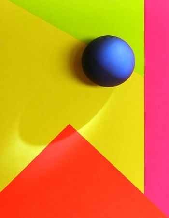Simplicity of Shapes and Colors
