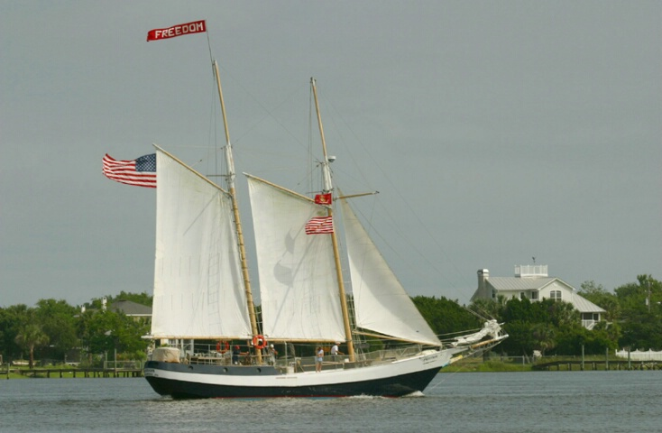 """""""Freedom"""" Sails the St. Johns"""