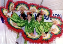 Auto color Korean Folk Dancers