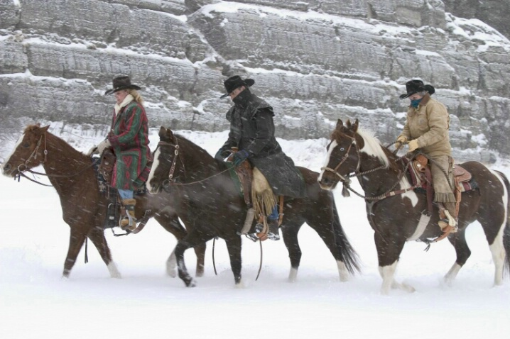 Ranchers in the Storm - ID: 692185 © Jim Miotke