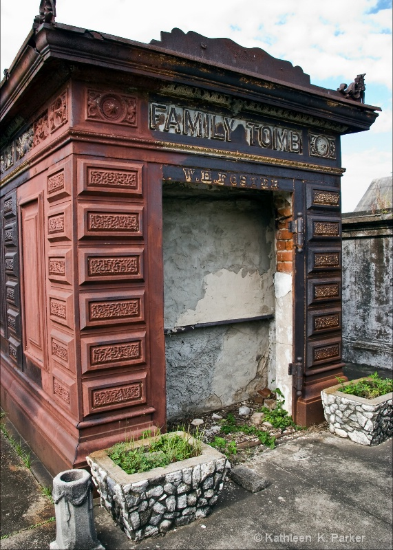 Iron Tomb in Odd Fellow's Rest