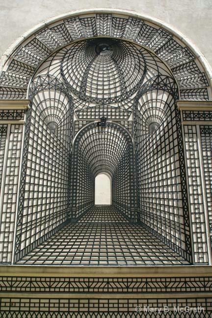 Paris Abstract - ID: 10410602 © Mary B. McGrath