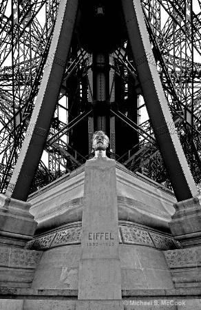 Eiffel Bust