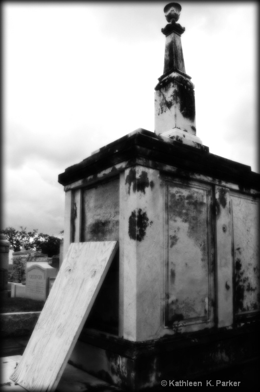Tomb in BW - ID: 11095126 © Kathleen K. Parker