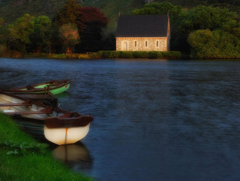 Church On the Lake - ID: 13283106 © Anne Hickey