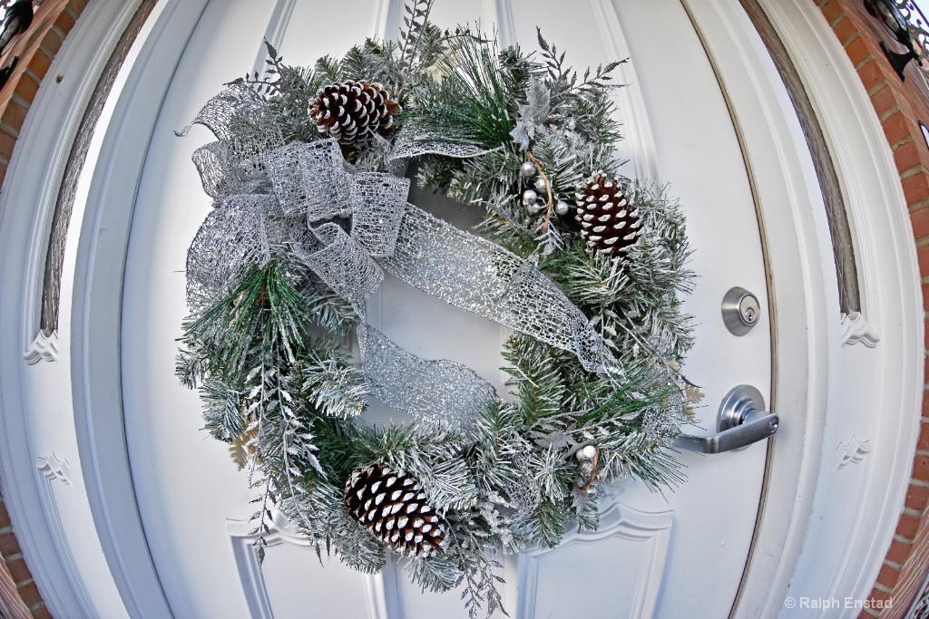 183.7020.wreath.121115 - ID: 15288906 © Ralph Enstad
