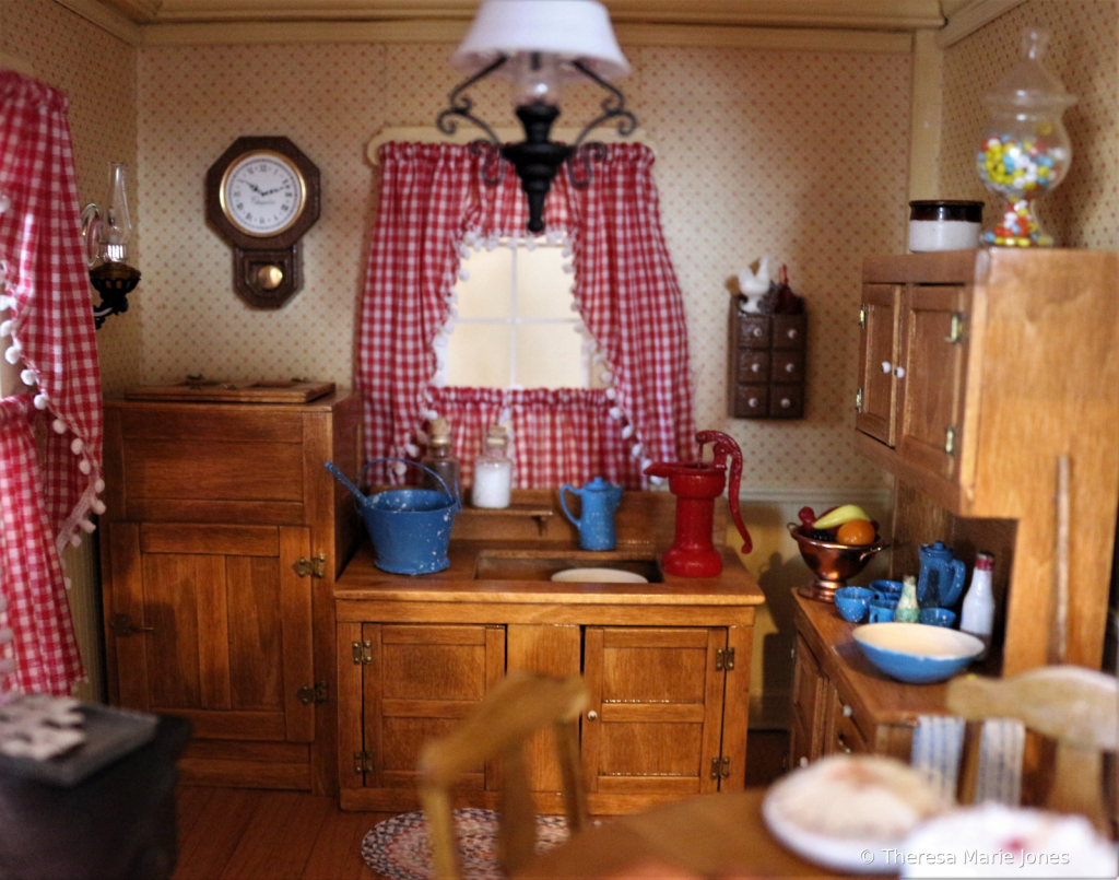 Old Doll House Kitchen