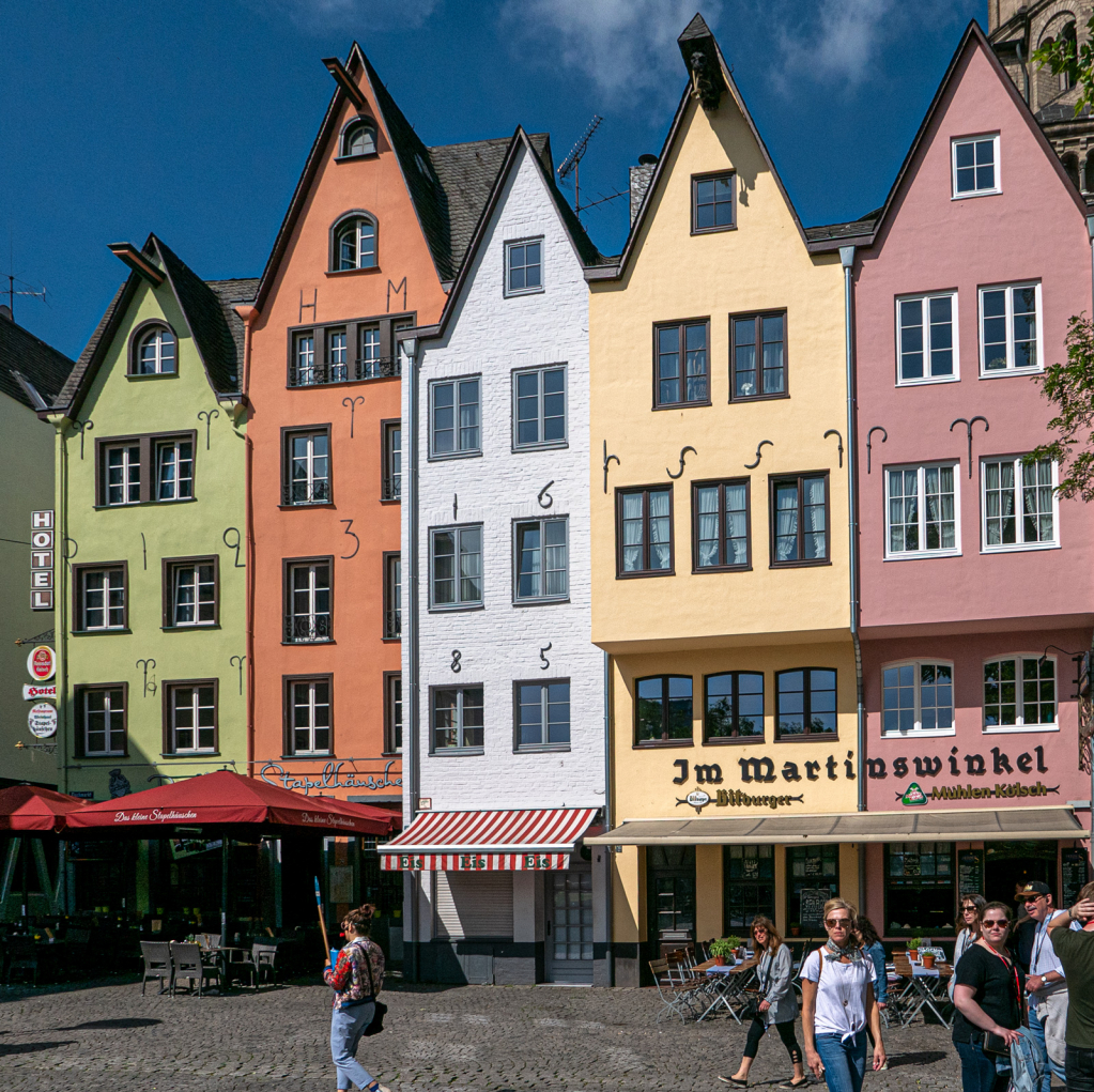 colorful buildings everywhere - ID: 15730092 © Erwin Parthe