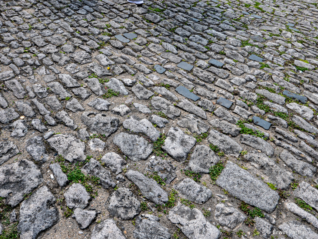 Old cable stone streets in old town - ID: 15732025 © Erwin Parthe