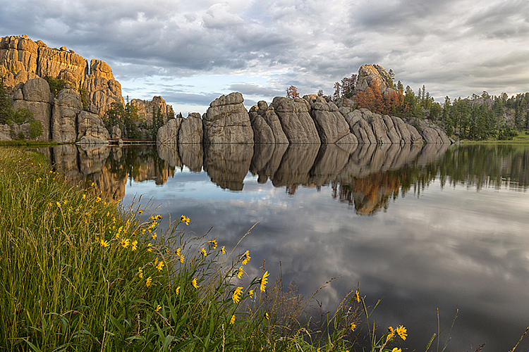 Hills 14 8738 - ID: 15756154 © Raymond E. Reiffenberger