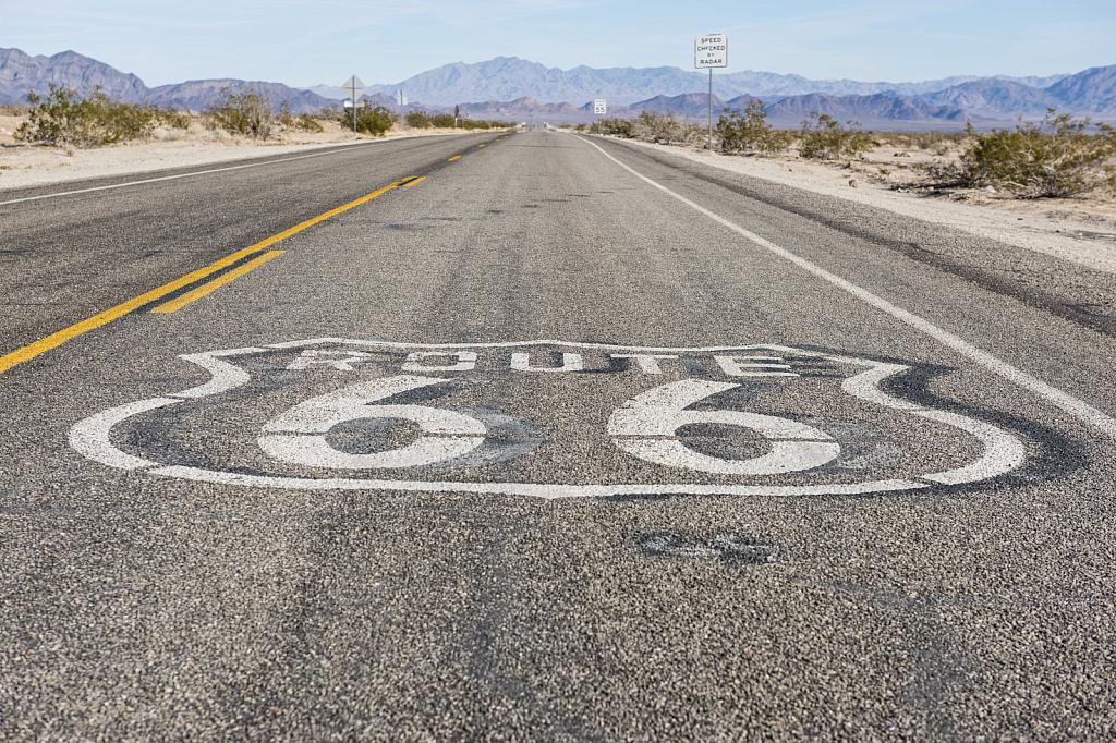 Route 66 - ID: 15785051 © Larry Heyert