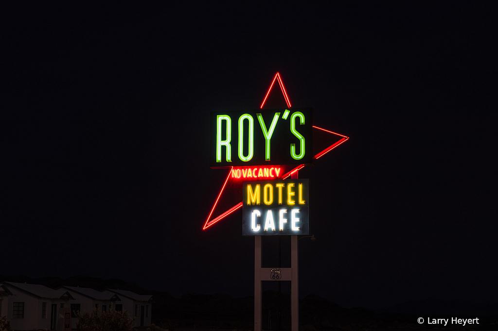 Roy's Restaurant - ID: 15785062 © Larry Heyert