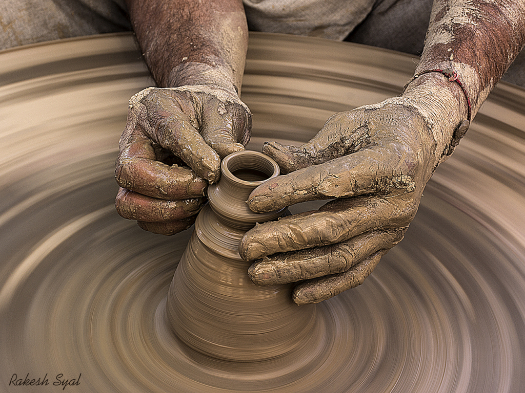 SHAPING HANDS
