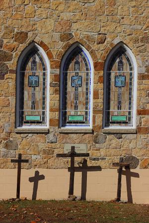 6 Crosses, 3 Windows
