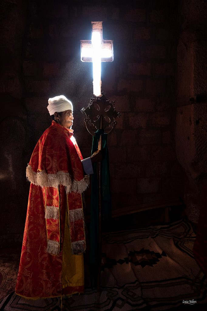 Lalibela Priest - ID: 15788890 © Louise Wolbers