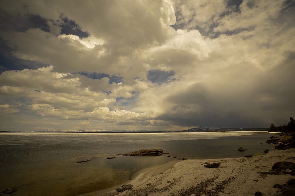 Storm Brewing Over Yellowstone - ID: 15792556 © KC Glastetter