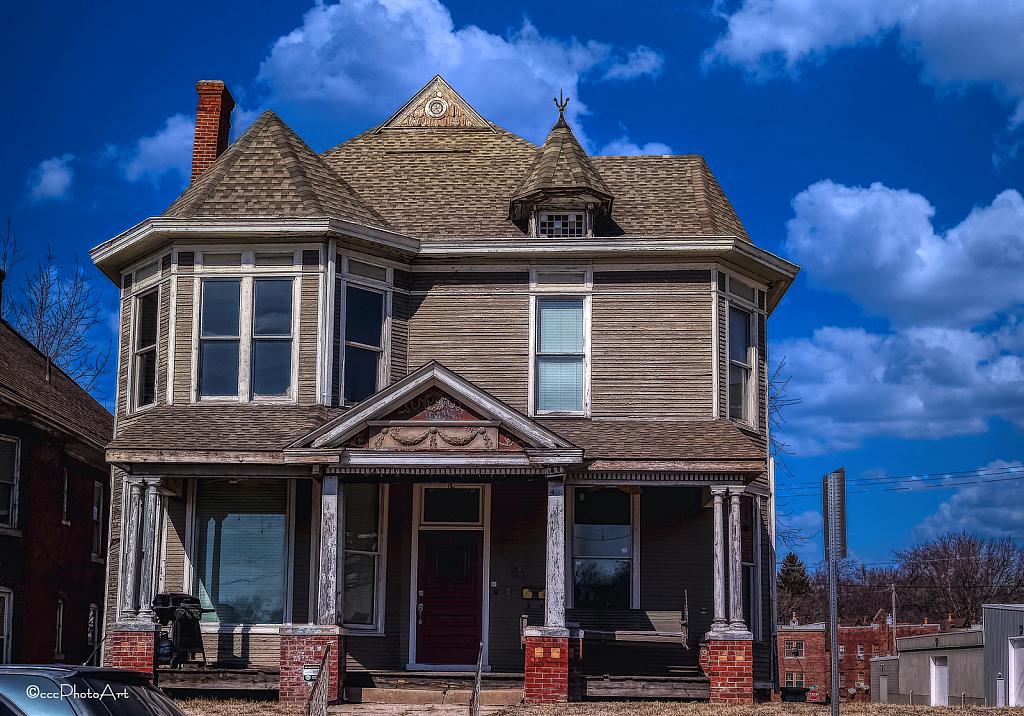 Grey House - ID: 15801092 © Candice C. Calhoun