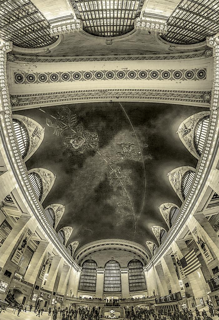 Grand Central Shield - Monochrome - NY - ID: 15801319 © Martin L. Heavner