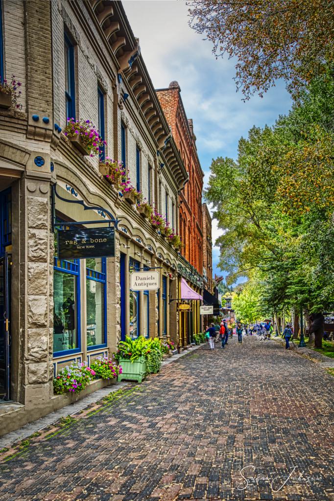 Boutique shopping in Aspen - ID: 15811402 © Susan Johnson
