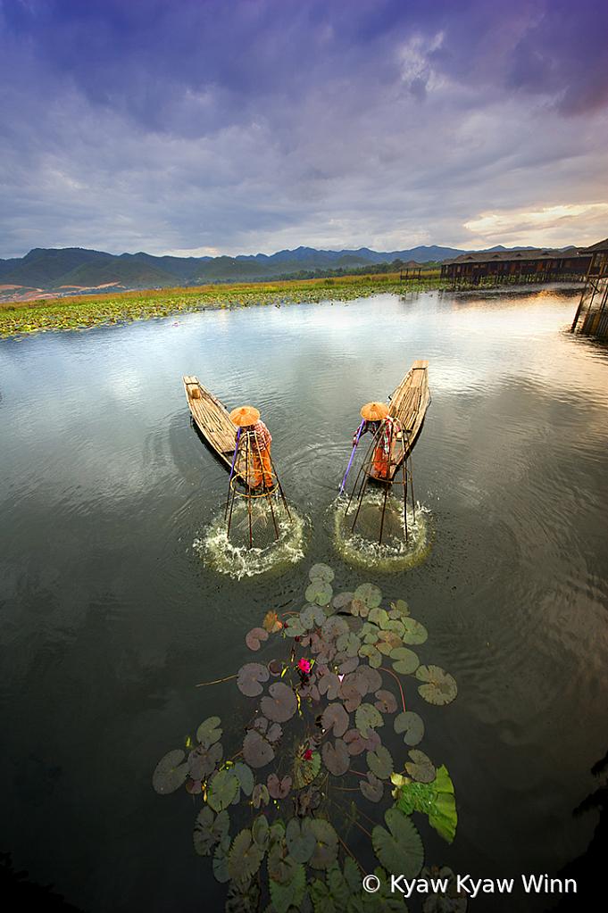 2 Fishermen from Inlae Lake