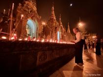 offer to Shwedagon Pagoda