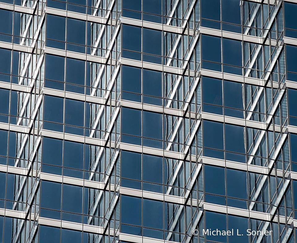 windows - ID: 15818913 © Michael L. Sonier