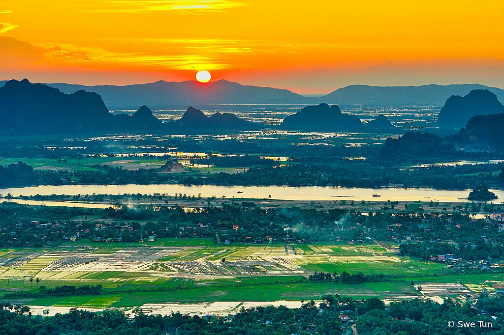 Sunset form Mountain