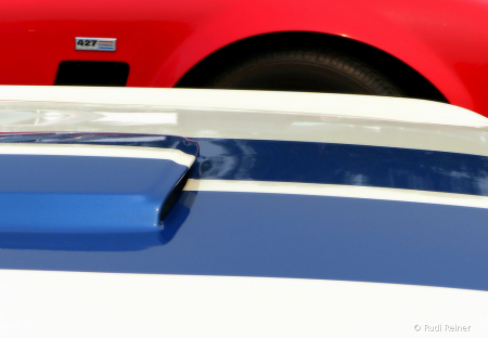 Muscle car racing stripes