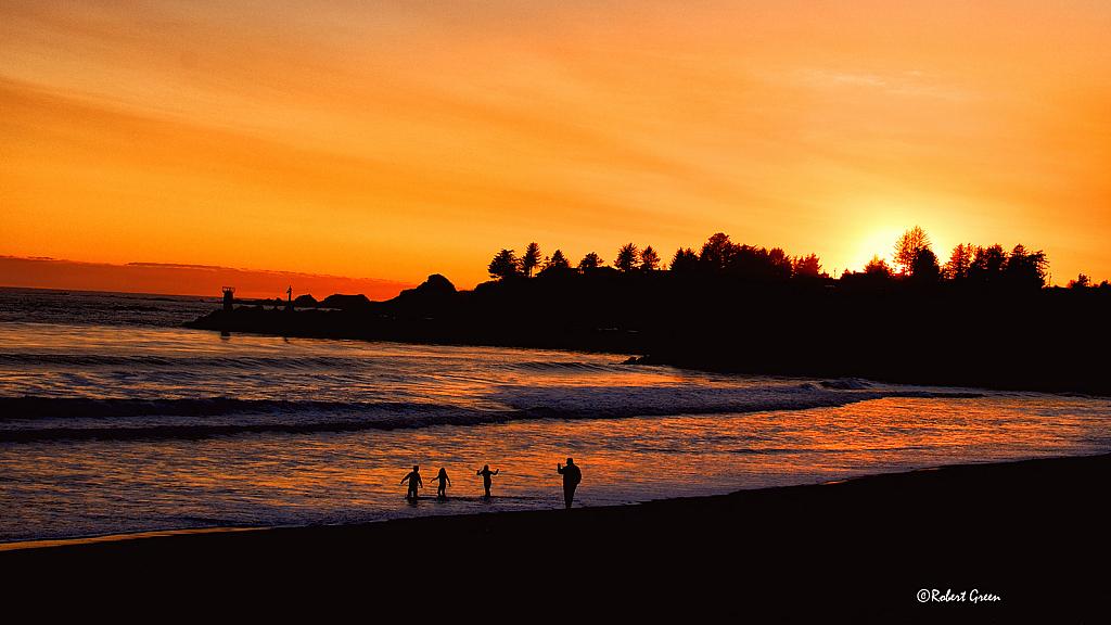 Father - Children enjoying Brookings  Sunset