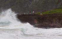 Sea means shore, Oahu