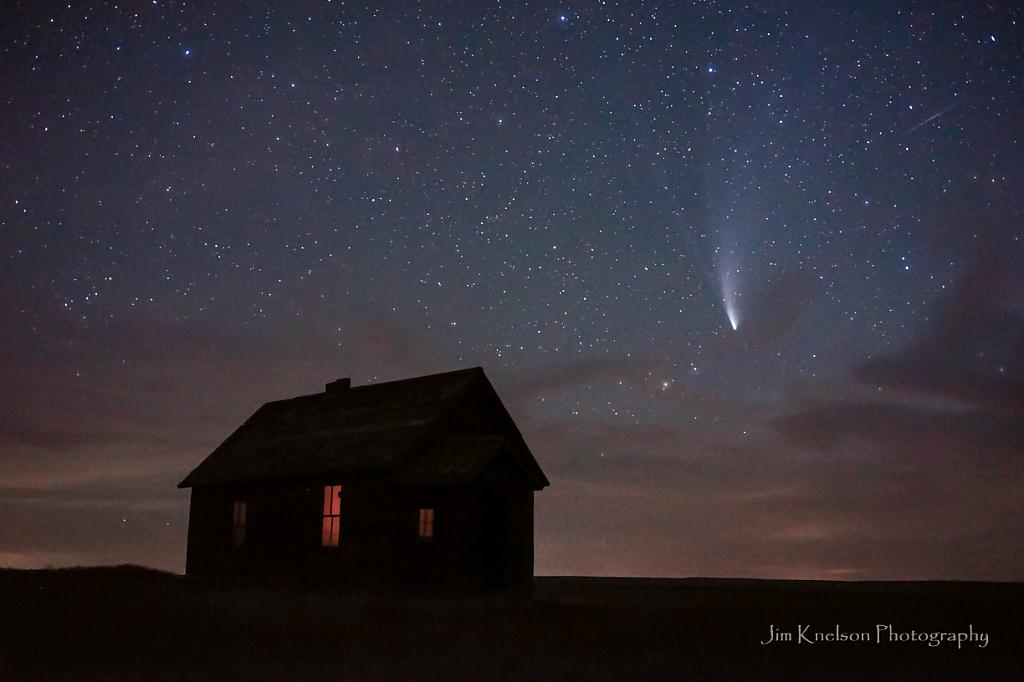 Comet in Southern Alberta