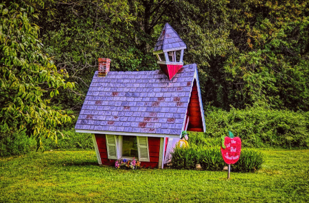 The Lil Red Schoolhouse