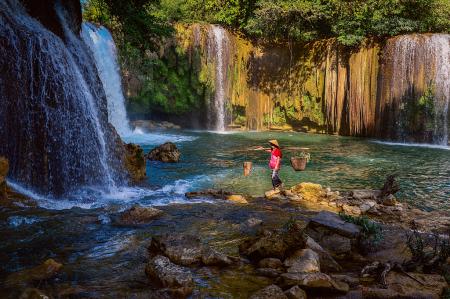 Kyon Htaw Waterfall and Karen Beauty
