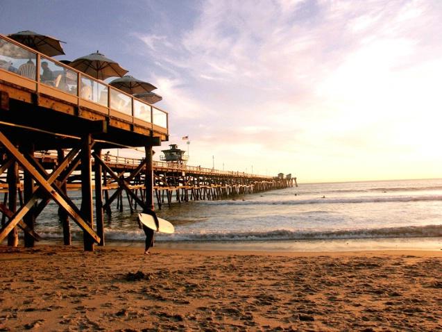 San Clemente Pier - Longboarder