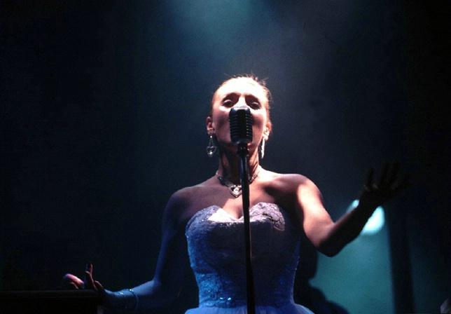 Tango songstress