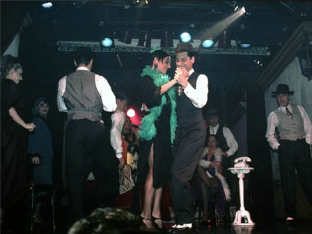 Tango Couple with crowd