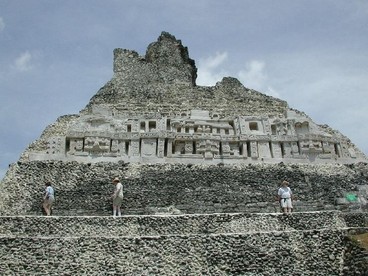 El Castillo, Xunantunich Belize