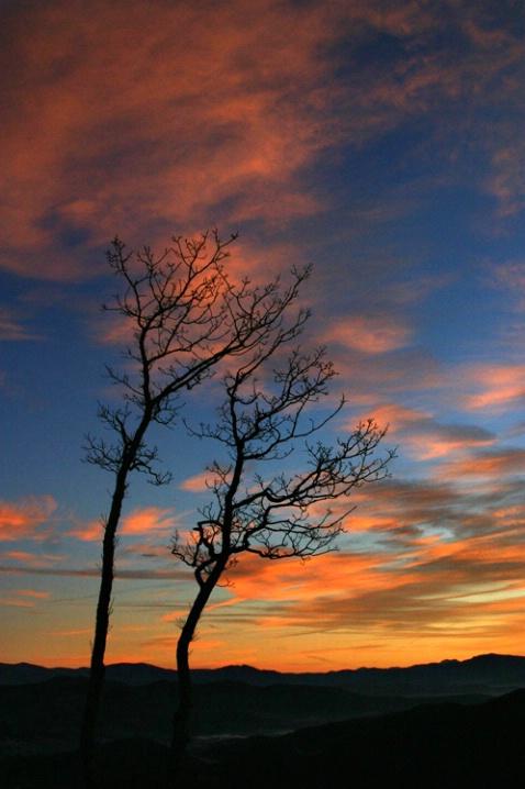 Cold sunrise over Black Mnts