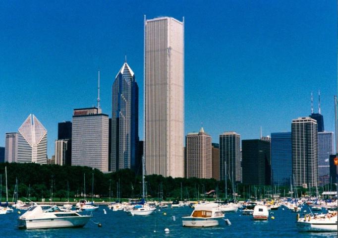 CHICAGO SUMMER SKYLINE