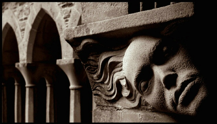 Iona Cloister detail 1