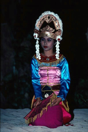 Lombok traditionally costumed dancer